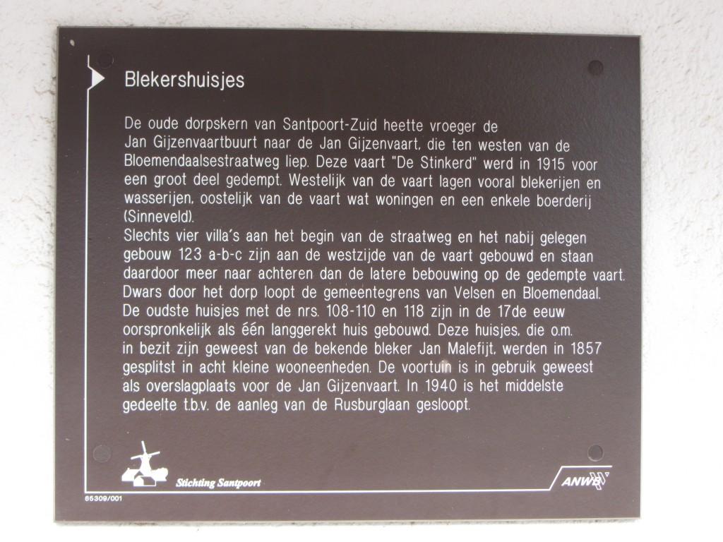 Informatiebord van de Brederoderoute op de hoek van de Bloemendaalse straatweg en de Bruno Klauwersstraat.